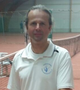 Tom van Dijck (50), B-instructeur tennis, klassement B+4/6.